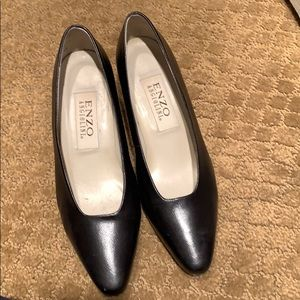 Women's black pumps